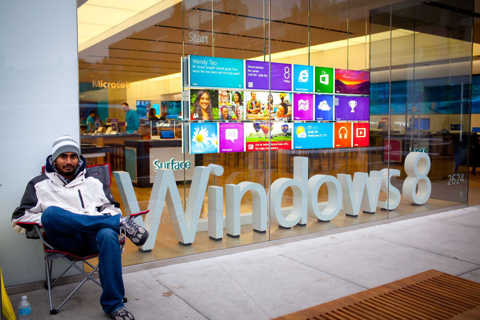 A prepared shopper waits for the Seattle Microsoft Store to open, Oct. 26, 2012.