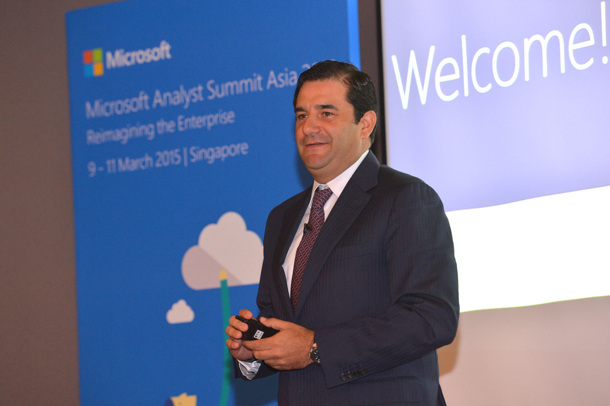 César Cernuda, President of Microsoft Asia Pacific, making the opening address at the Microsoft Analyst Summit Asia 2015.