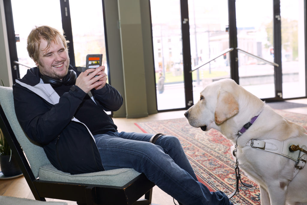 Florian Beijers with his guide dog
