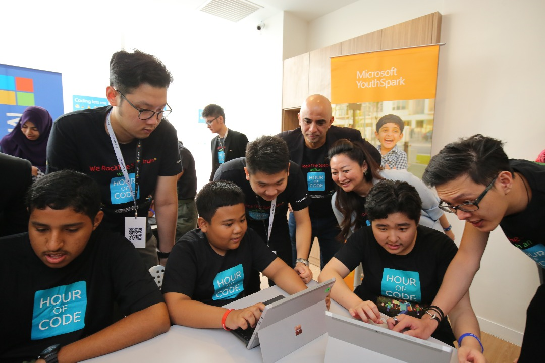 Rocking The Spectrum With An Hour Of Code Microsoft Malaysia News Center