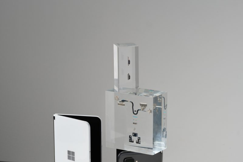 Surface Duo 2 components